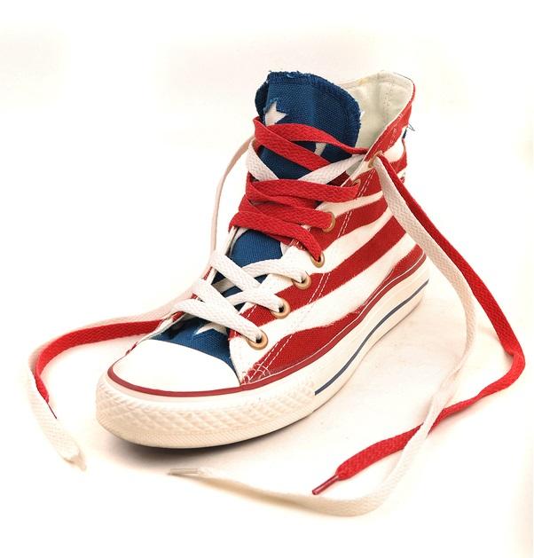 Retro basketball sneaker