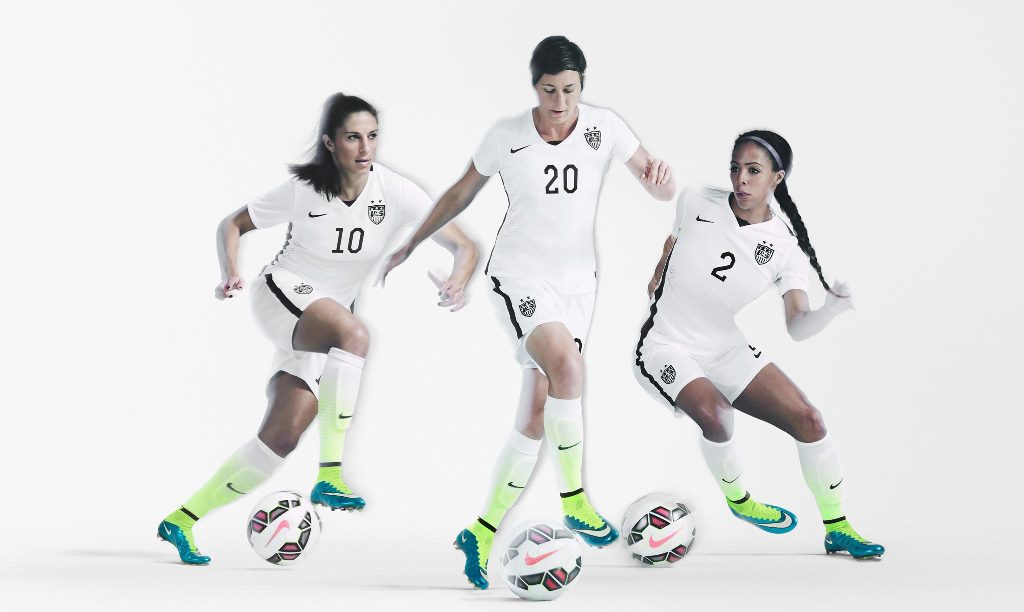 usssoccer_ns_uswnt_kit_team_fb